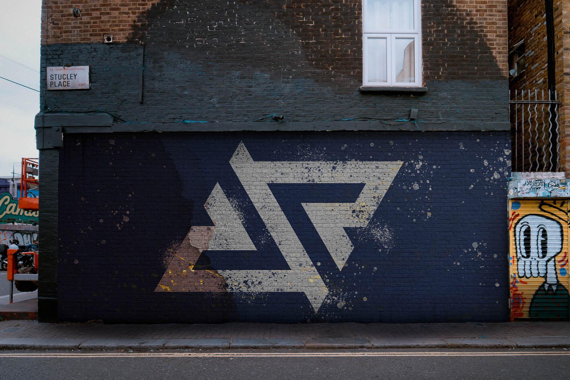 Royal Five - Logo MockUp - Brick